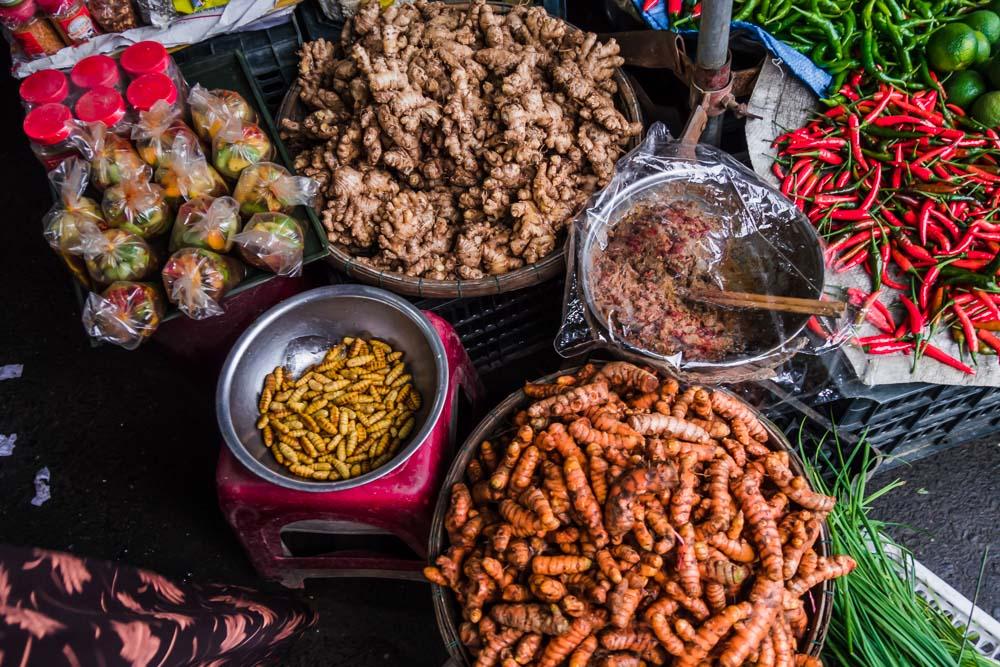 Viajar-de-forma-sustentavel-gastronomia-mercados